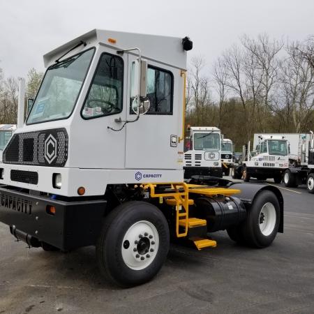 Capacity spotter truck